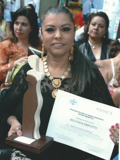 Mary Castro, Mujer Ejecutiva del Año
