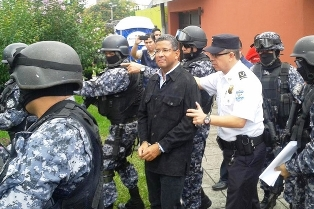 Cárcel al expresidente salvadoreño Francisco Flores