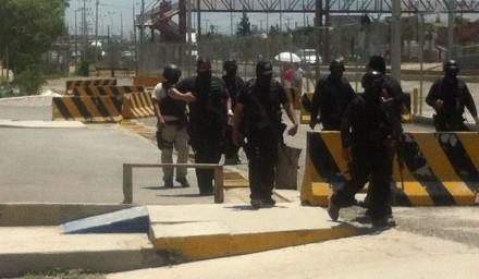 (Archivo) Policías catean el penal de Saltillo