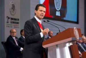 El presidente Peña Nieto, en jaque a dos años de gobierno