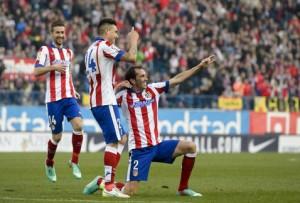 Atlético gana 3-1 al Levante con gol de Godín
