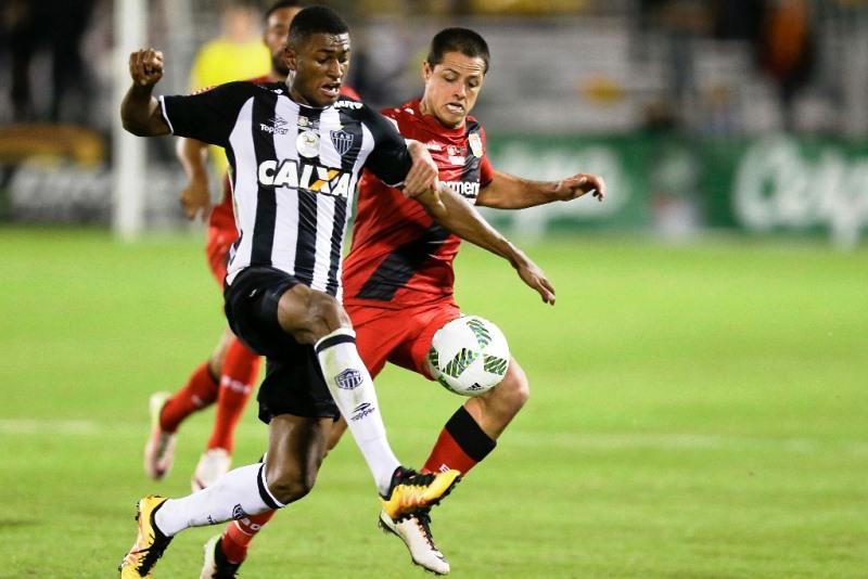 'Chicharito' se reencuentra con el gol