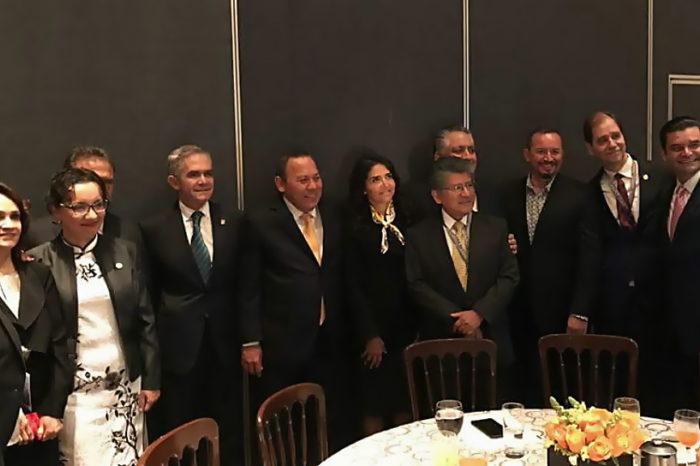 AEG se reúne en CDMX con diputados del PRD